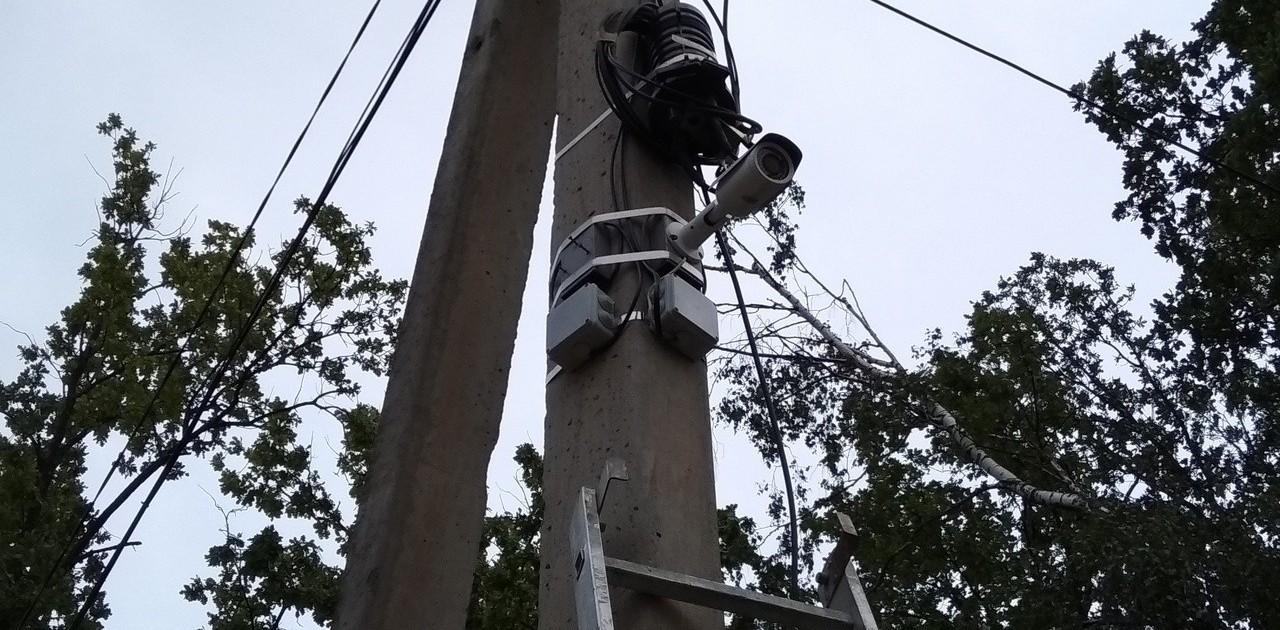 Установка камеры на столб с помощью СИП ленты