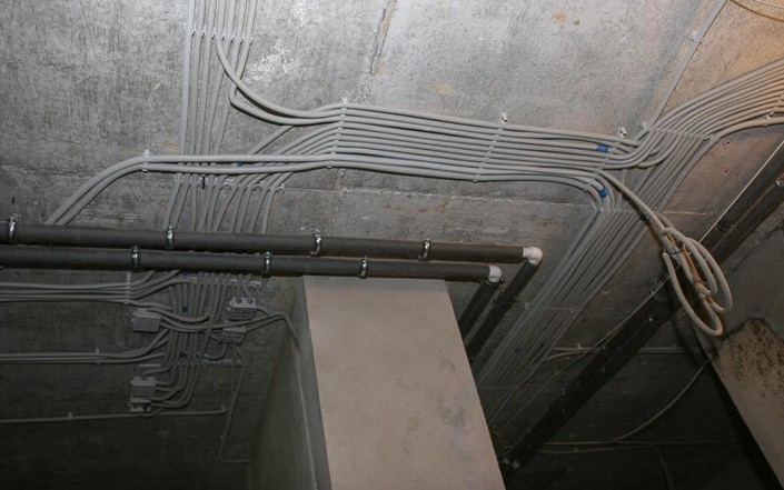 Прокладка кабеля до камеры