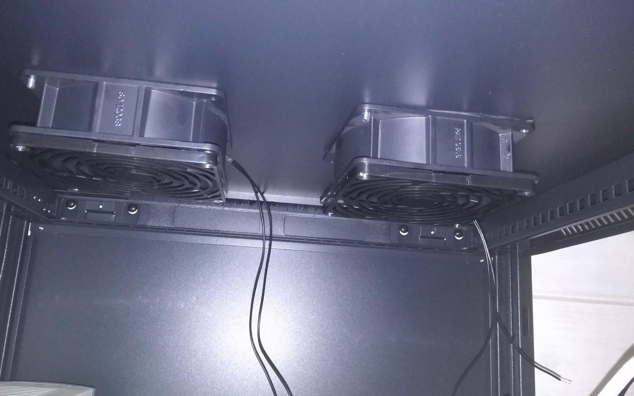 Замена вентиляторов в шкафу Hyperline
